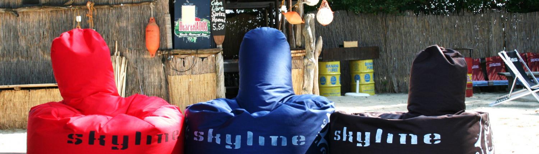 Sitzsack und Beanbag in rot, blau und braun