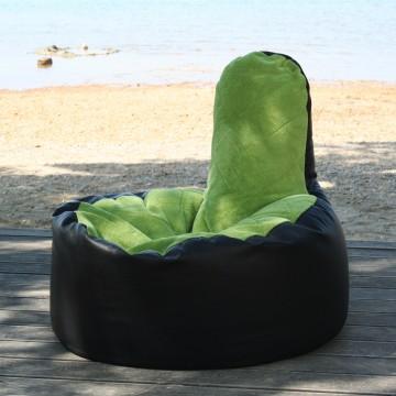 Beispiel Sitzsack LULU mit grünem Fleece und Steppnähten im Karomuster